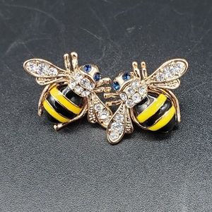Jewelry - Honey Bee Pierced Earrings NWOT